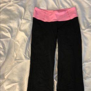 Lulu cropped yoga pants
